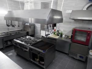 Arredamenti, attrezzature professionali e macchinari per Ristoranti, Pub e Paninoteche